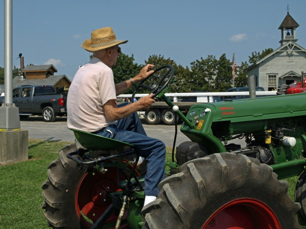 Tractor Pull's Oldest Competitor