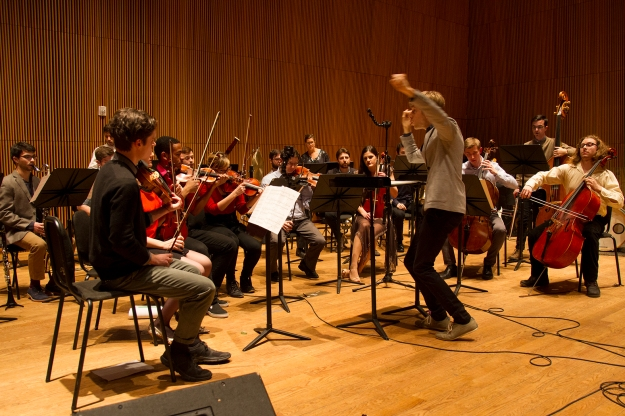 David Bloom conducts Contemporaneous at DiMenna © 2015 Dominica Eriksen. Used with kind permission.